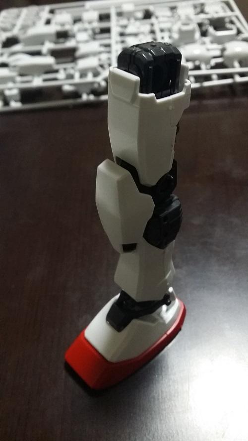 MG 1/100 RX-78-2 ガンダム 脚のパーツ解説その10 外装 膝と脛|ガノタな父のブログMK-弐