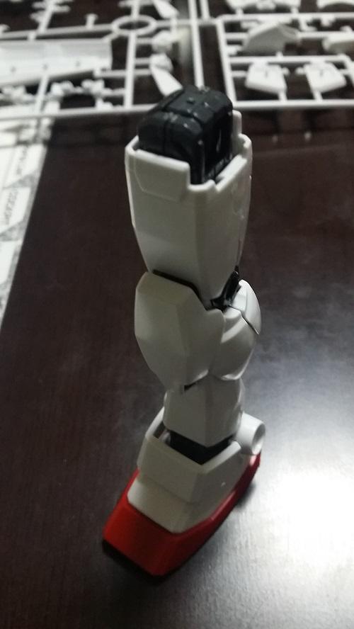 MG 1/100 RX-78-2 ガンダム 脚のパーツ解説その12 外装 脹ら脛(後)|ガノタな父のブログMK-弐