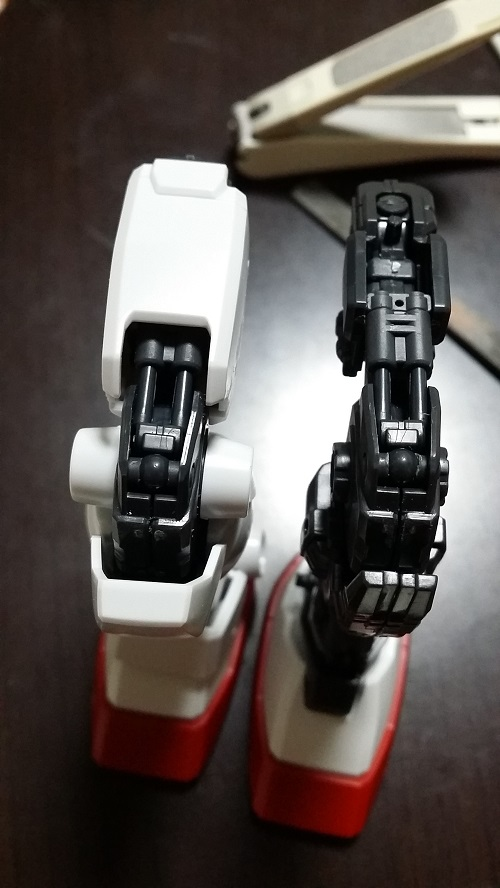 マスターグレード 1/100  ガンダム Ver.1.5 脚制作 外装有り無しその2 シリンダー・ピストン部分 ガノタな父のブログMK-弐