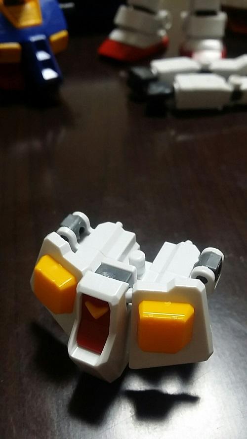 MGガンダム 1.5 腰部組み立て 前部