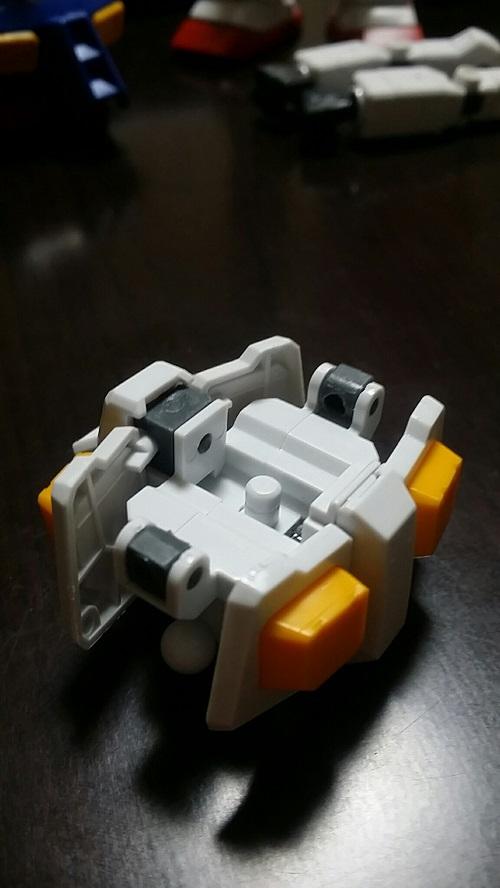 MGガンダム 1.5 腰部組み立て 後部